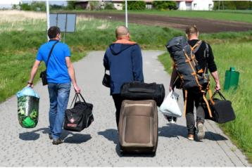 Українці повільно повертаються на роботу у Польщу