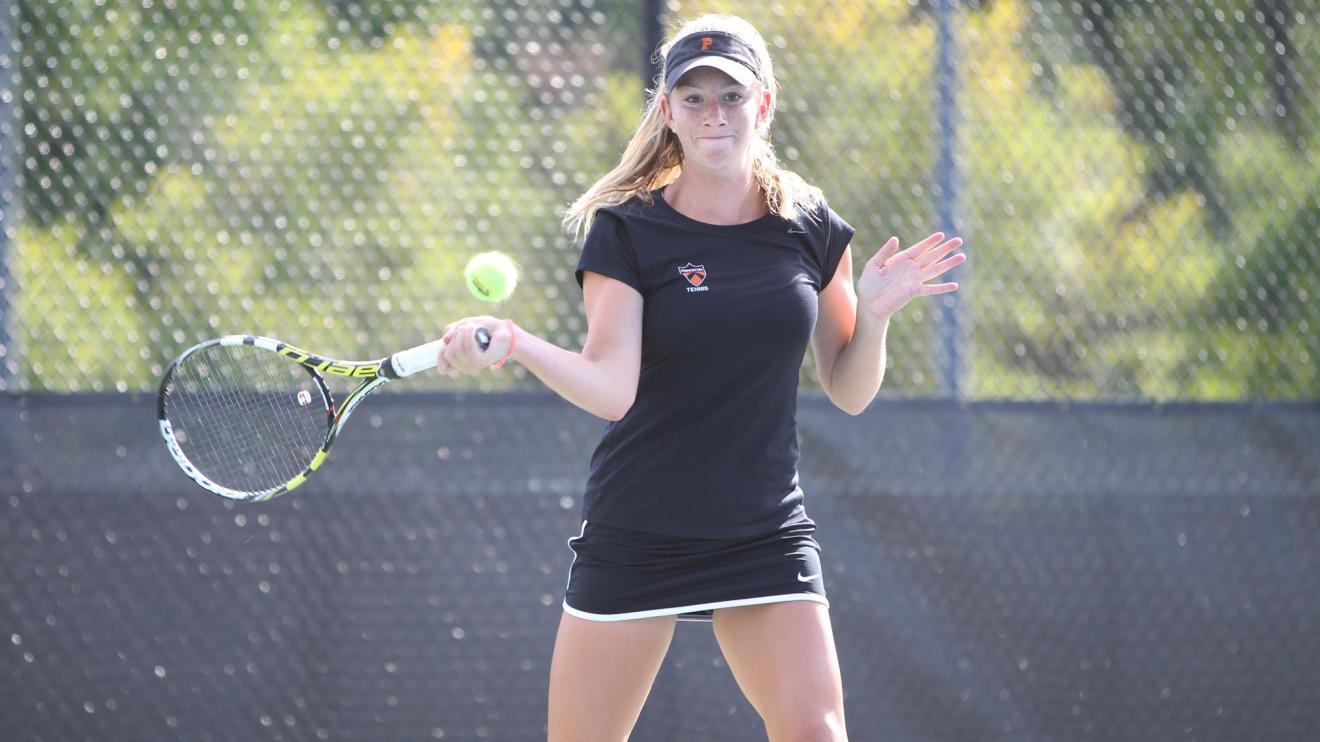 Women's Tennis Team Wins 4-3 at Columbia