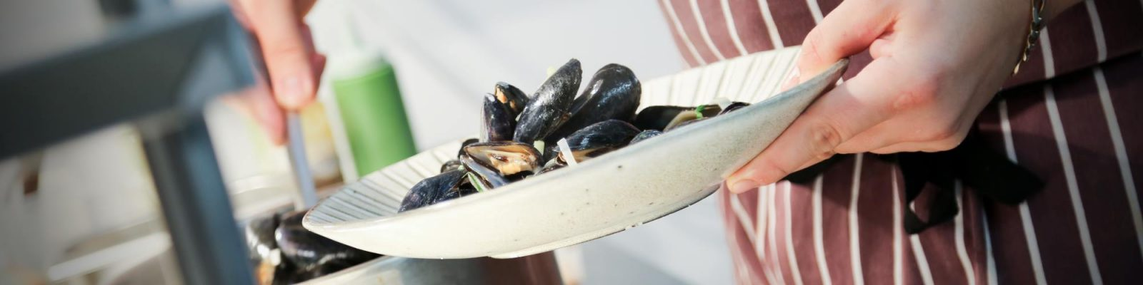 Slide: mussels at the Marram Grass - Gorau Mon/Best of Anglesey