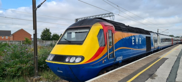 HST at Grantham railway station
