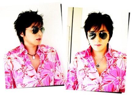 pink shirted Korean man