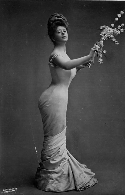 Camille Clifford, an iconic Gibson Girl