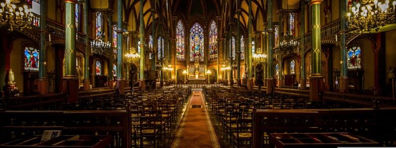 Dans le silence des églises parisiennes (série)