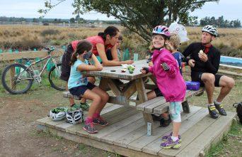 get inspired bike kids Nelson Kaiteriteri New Zealand Great Taste Cycle Trail food stop goRide