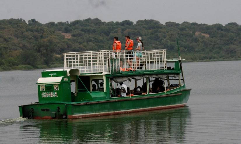 Boat trips on Kazinga channel