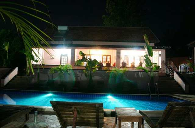 Boma Guesthouse Entebbe pool