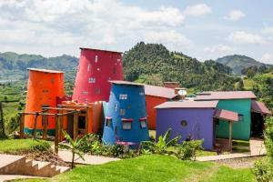 Chameleon Hill Lodge Bwindi