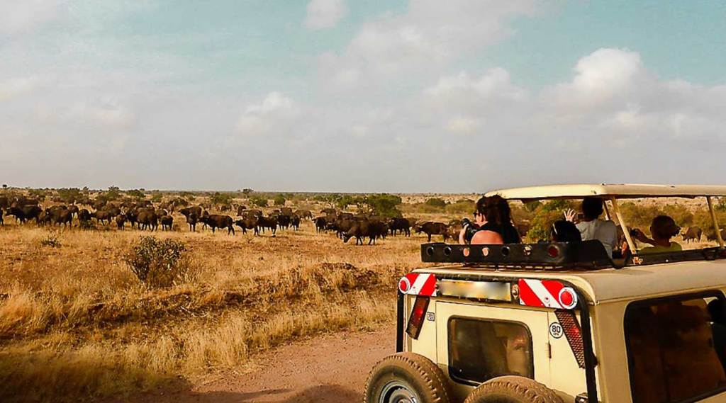 safari vehicles rent in Uganda