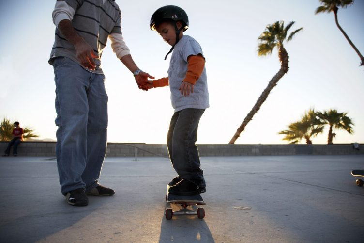 5 Easiest Skateboard Tricks For Beginner Skaters