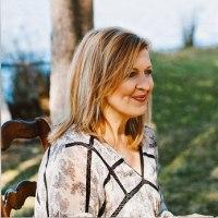 Darlene Zschech & HopeUC Encourage Listeners