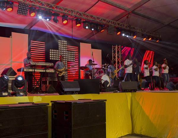 MTN Stands in Worship - Unforgettable Experience