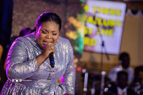 Ceccy Twum Delivers An Unforgettable Gold Worship Experience