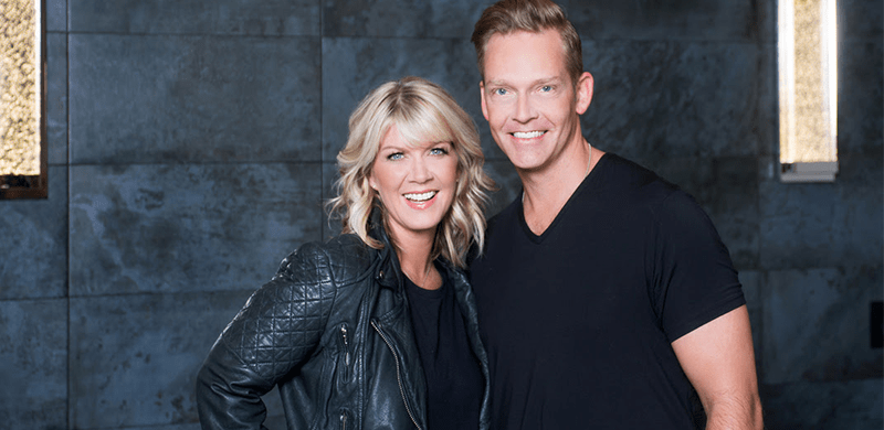 Natalie grant walks out of grammys