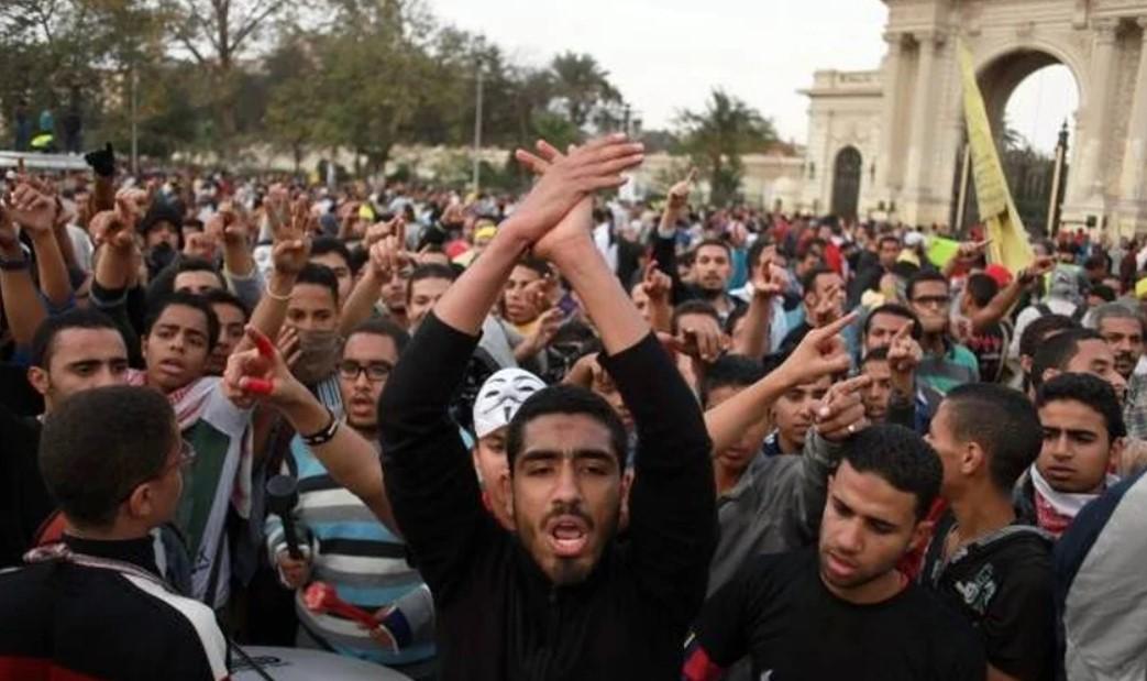 Muçulmanos em ato contra cristãos