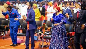 Dr. Paul Enenche Ft Paul-Daniel - Lord I Come Before Your Majesty mp3