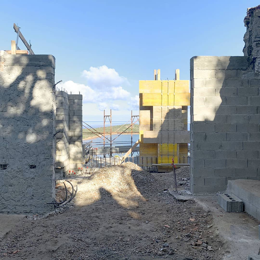 Rising walls. Construction site of #villatavolara. #gosplanarchitects…