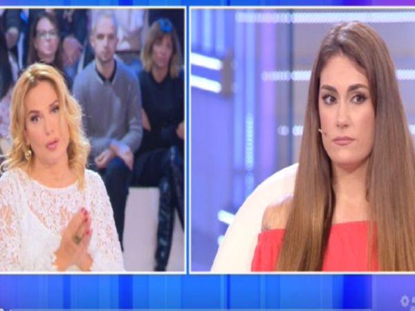 Francesca De André non perdona: Fabrizia chiede aiuto a Barbara d
