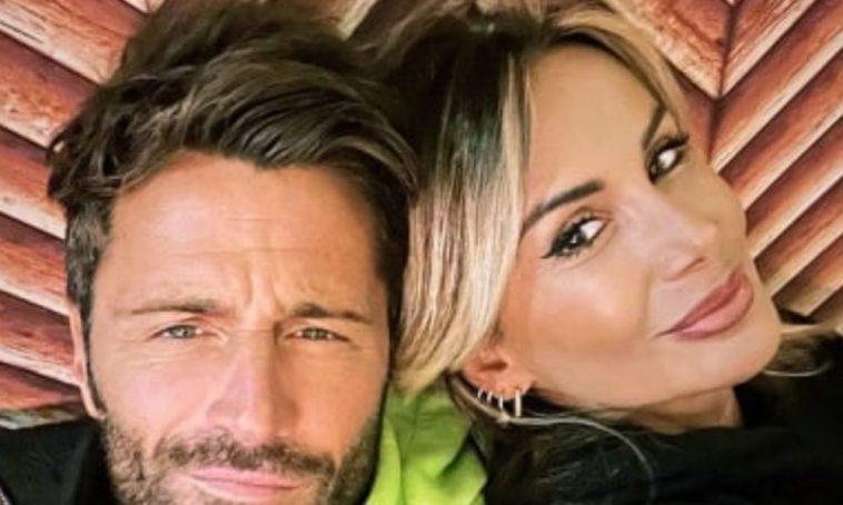 Filippo Bisciglia rivede l'ex fidanzata: dolci parole per Simona Salvemini