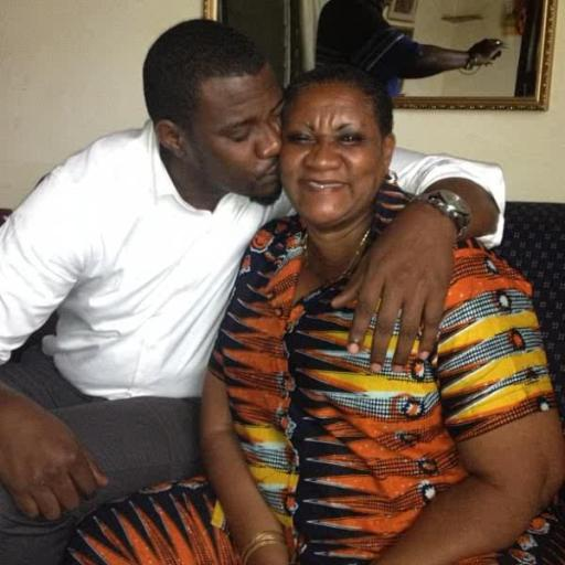 john-dumelo-and-his-mother-600x600