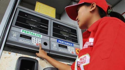 Hanya di Sumbar, Harga Pertalite Naik Jadi Rp8.000 per Liter