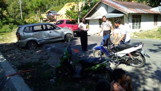Rem Blong, Avanza Terguling di Pesisir Selatan, 2 Penumpang Cidera