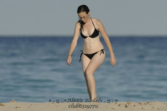 Alexis Bledel Wearing A Bikini At The Beach 04 GotCeleb