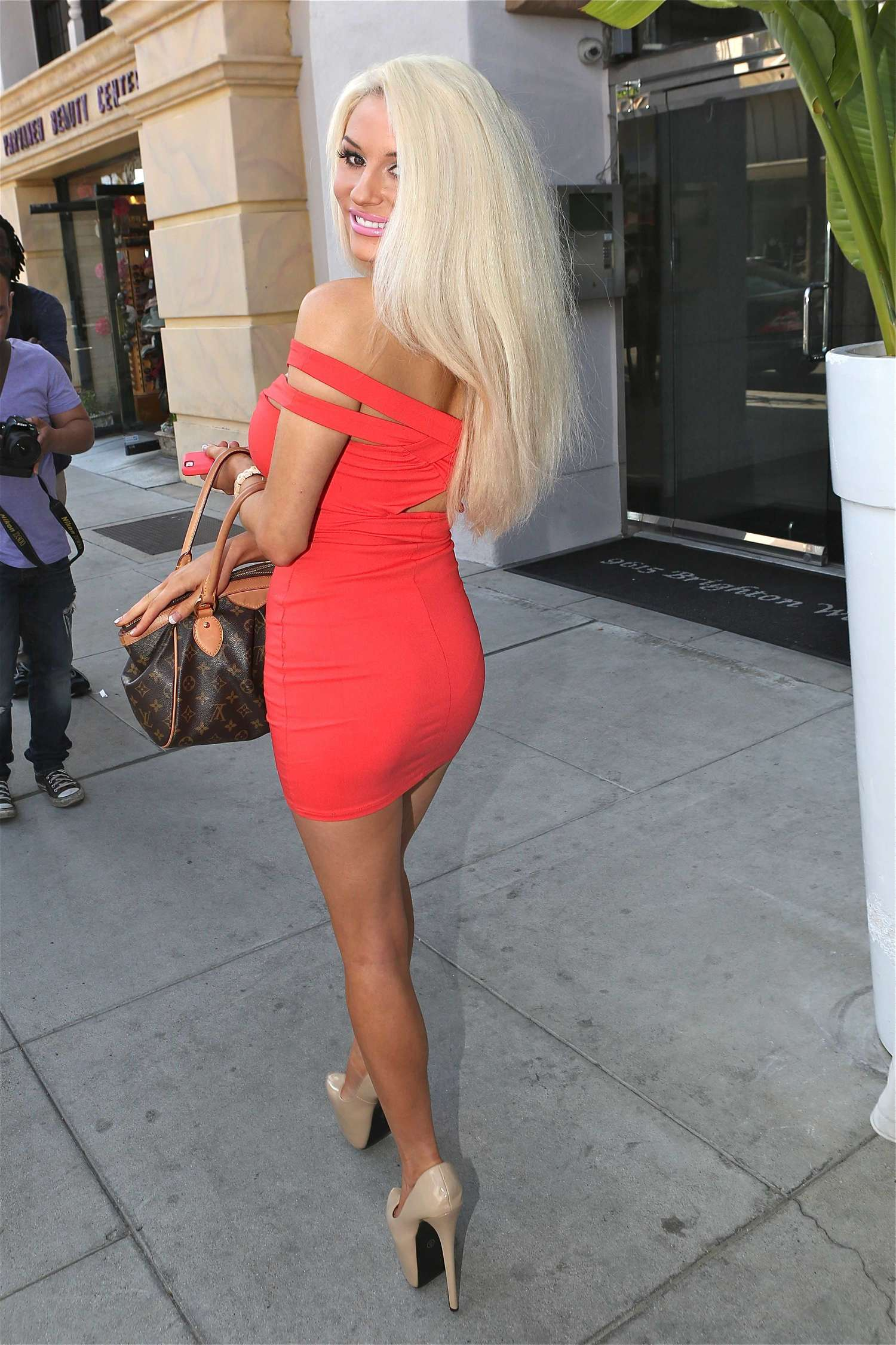 Courtney Stodden In Red Mini Dress 13 Gotceleb