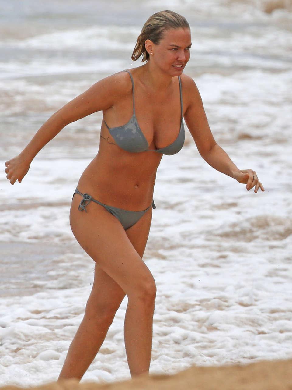Lara Bingle in a Bikini in Hawaii | GotCeleb