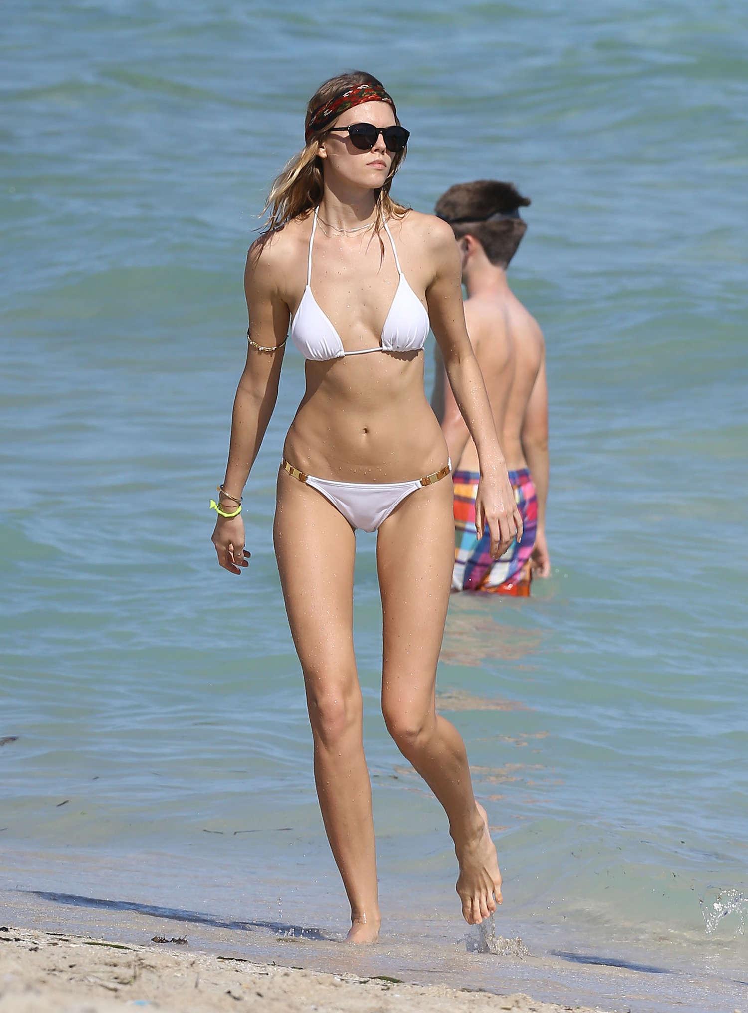 Maryna Linchuk Bikini Potos Miami 03 GotCeleb
