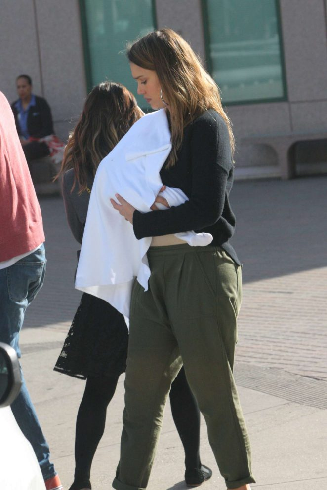 Jessica Alba: Takes her newborn baby boy to the doctor -01