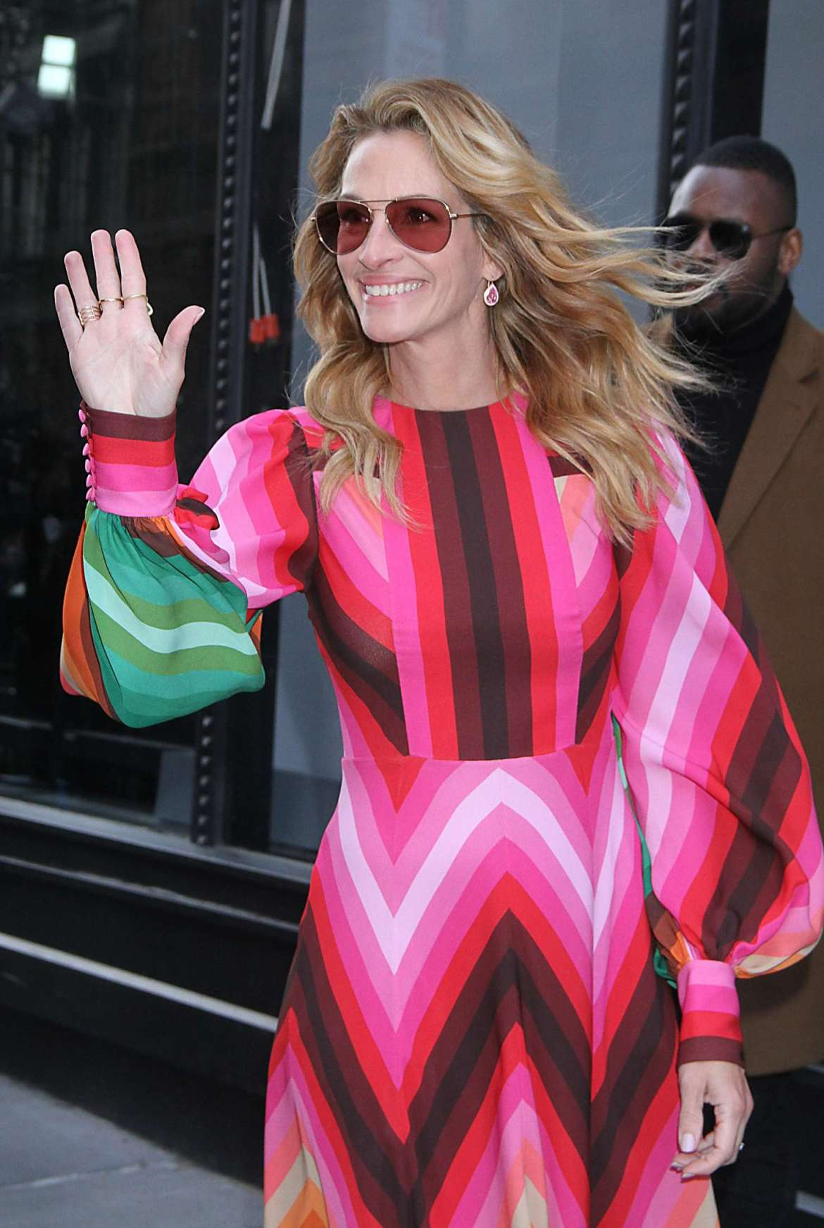 Julia Roberts – Arrives at AOL Build Series in New York