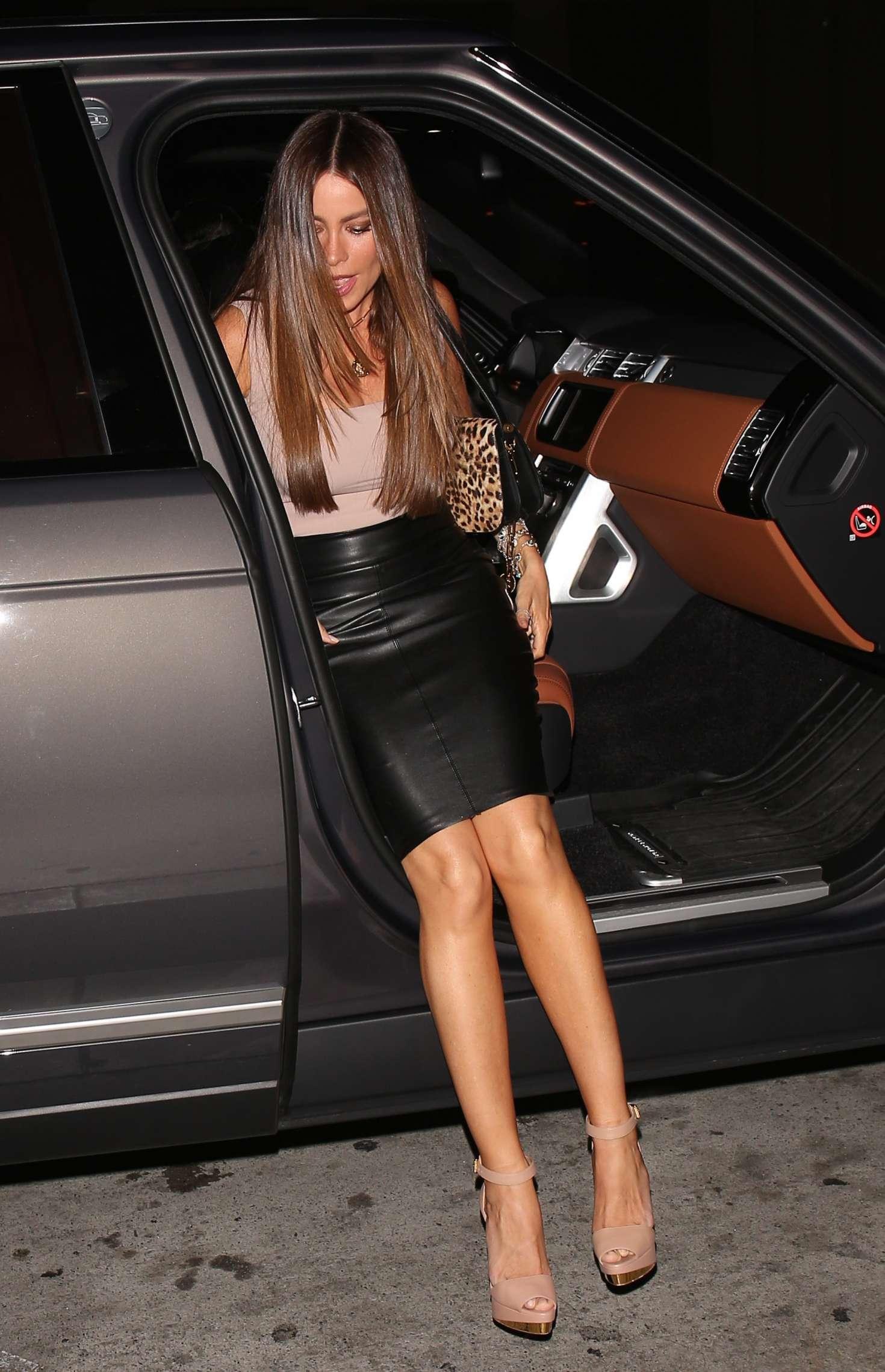 Sofia Vergara In Leather Skirt 01 Gotceleb