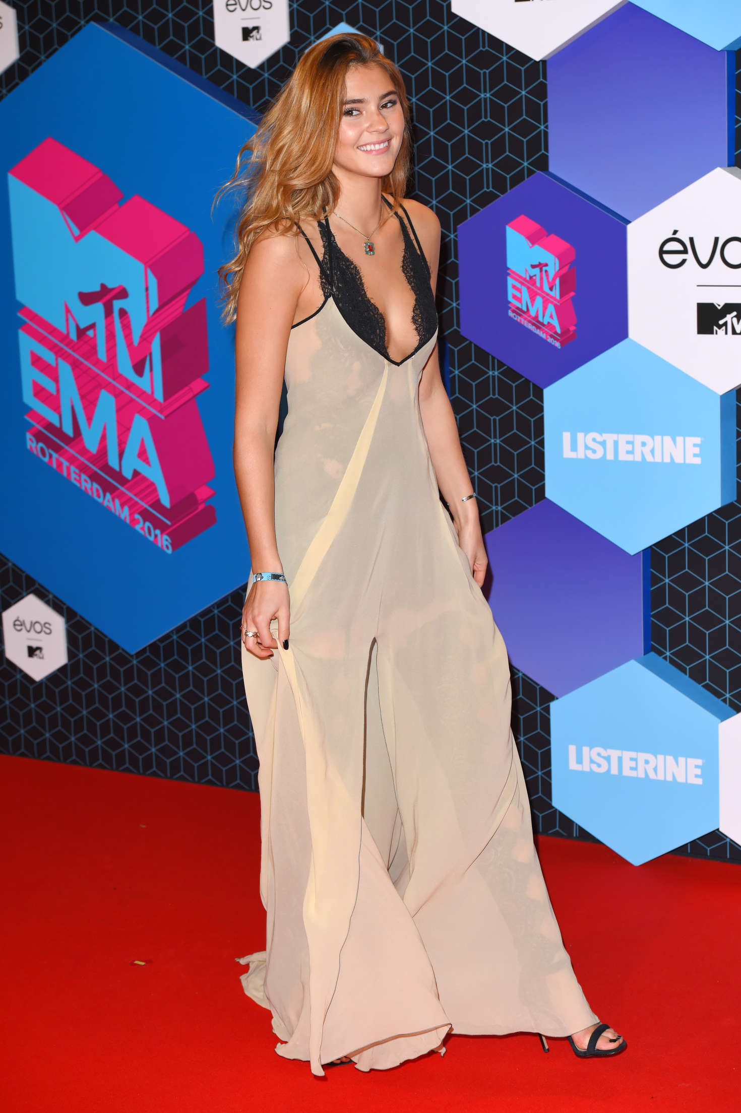 Stefanie Giesinger 2016 MTV Europe Music Awards In Rotterdam