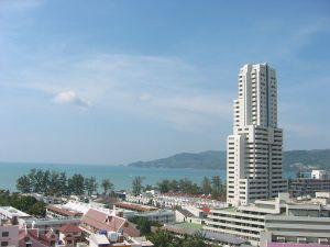 800px-Patong_Beach