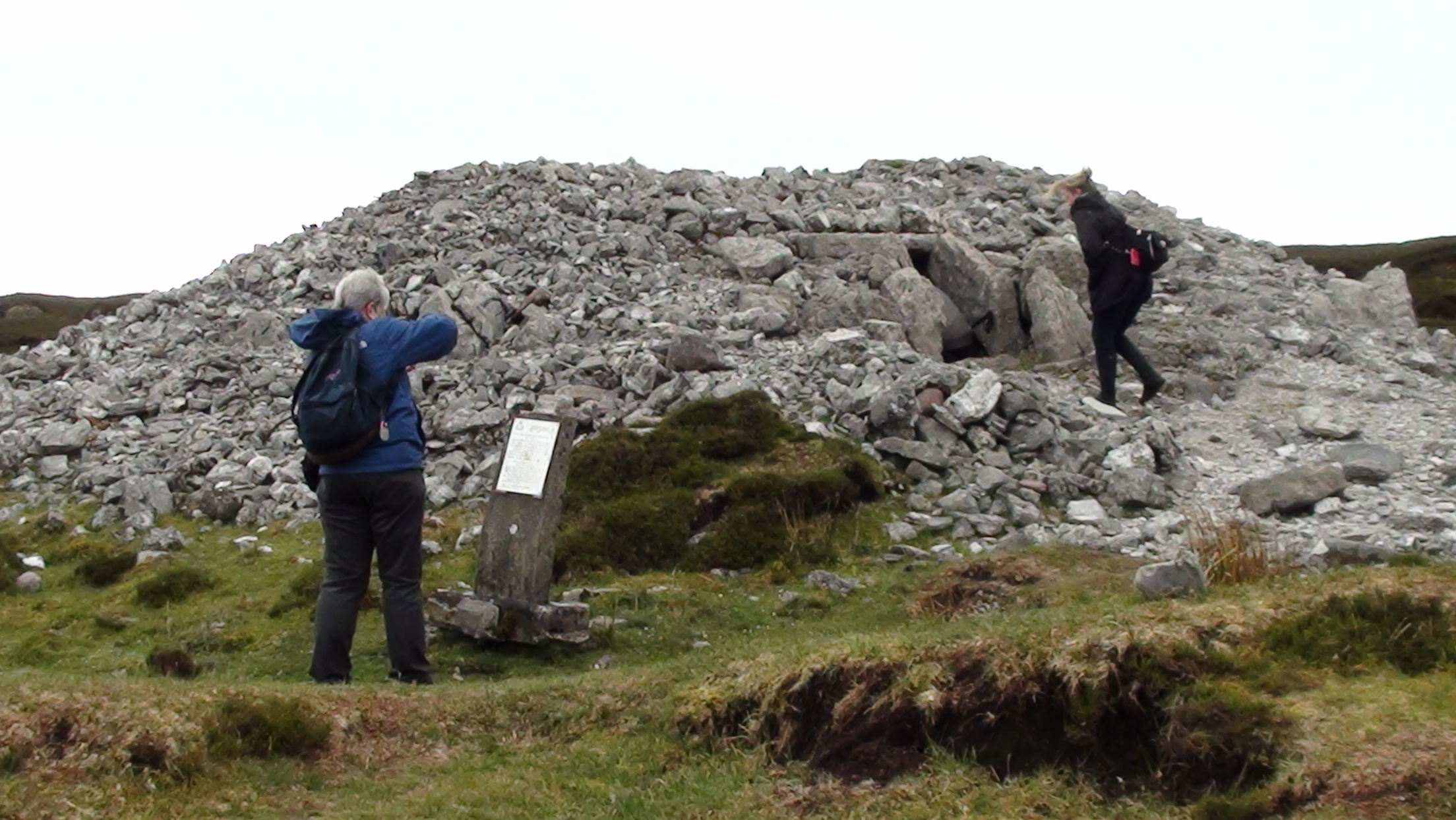 Exploring the Carrowkeel passage tombs