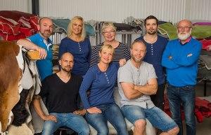 Donnia Skinn AB, ett familjeföretag som bereder mina fårskinn och lammskinn.