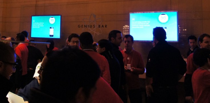 Grand Central Apple Store - Genius Bar
