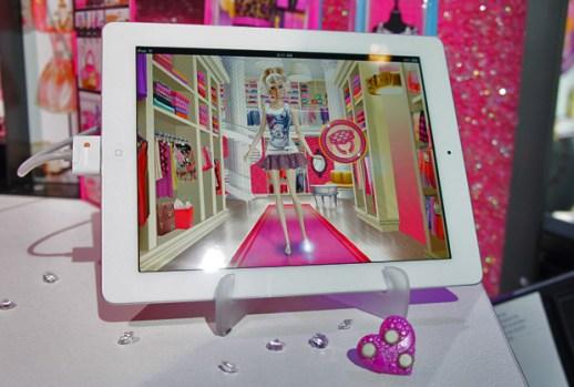 Mattel Apptivity Barbie Fashionista Ring and App