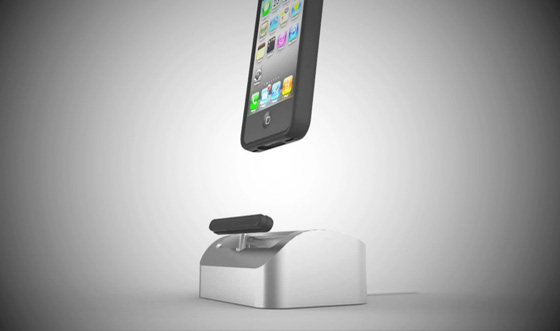 works with a case and easily releases iphone
