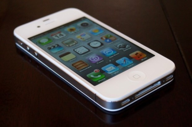 iPhone Brings 720,000 New Subscribers to Sprint