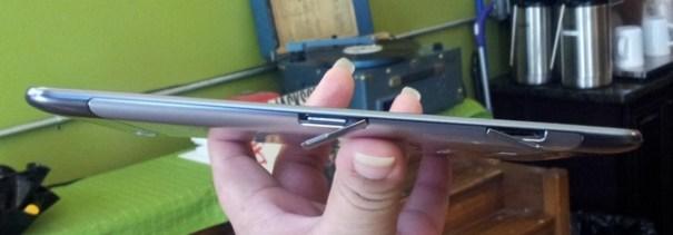 Samsung Galaxy Tab 7.7 Card Slots