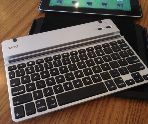 ZAGGfolio keyboard outside the case