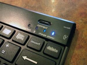 Kensington KeyFolio Pro 2 Review - power