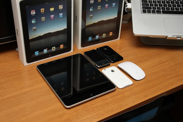 IPad, iPhone and MacBook