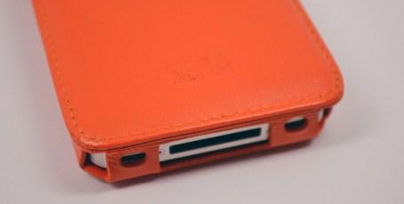 Sena WalletSlim iPhone 4S Wallet Case Review - dock connector