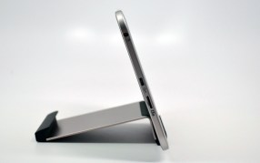 Toshiba Excite 7.7 Review side