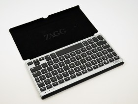 Zagg Flex Keyboard Review - Nexus 7 in case