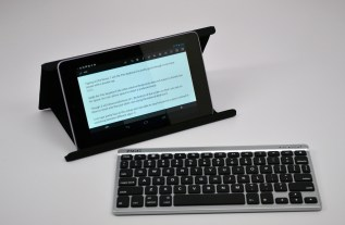Zagg Flex Keyboard Review - Nexus 7 stand