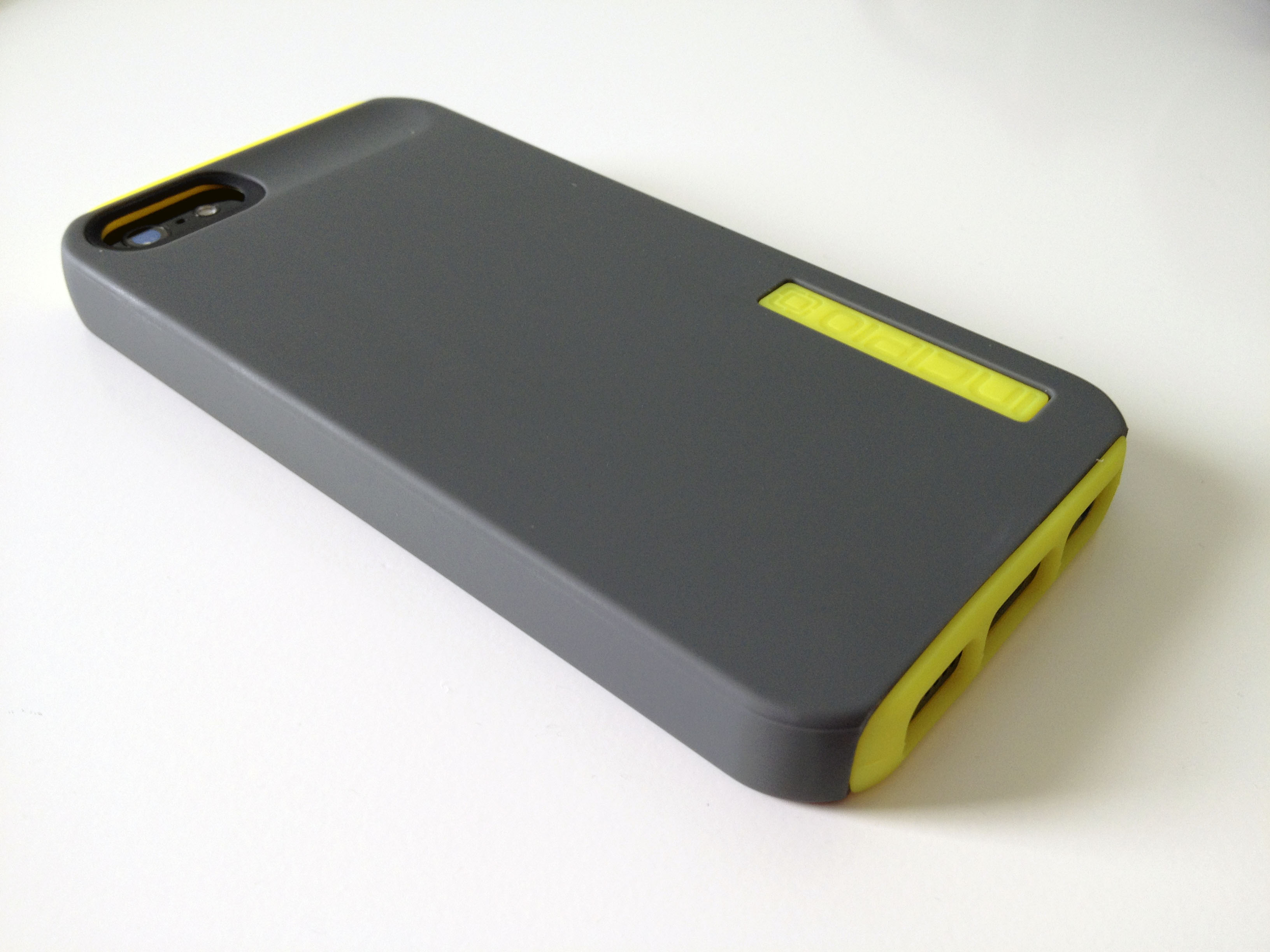 buy popular b37f4 83e10 Incipio DualPro iPhone 5 Case Review