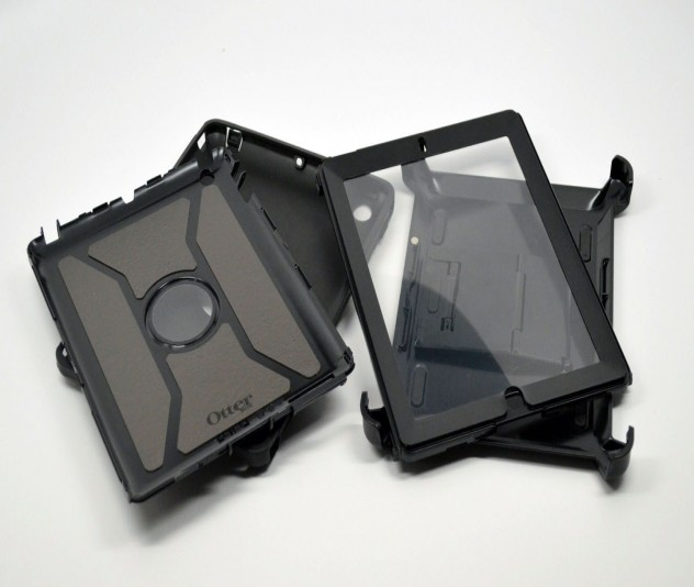 An all back version of the Otterbox Defender case.